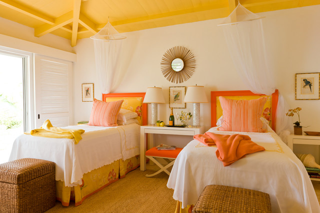yellow-ceiling-painted-for-shared-kids-room