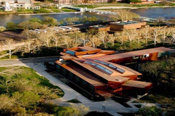 دانشکده هنر دانشگاه آیووا ;یکی از برترین ساختمان های آموزشی آمریکا