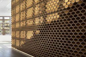 بهره گیری معمار ژاپنی از زیبایی شکست نور در طراحی دیوارهای موزه Aspen