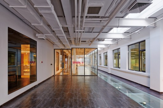 54ecb546e58ece31f100000d_spark-beijing-office-spark-architects_0238_spark_beijing_office_n3_a3-530x353