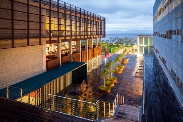 طراحی زیبای دانشگاه دریانوردی
