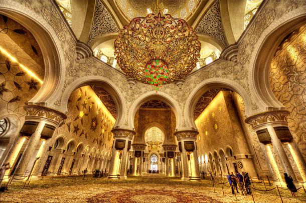 مسجد شیخ زاید ; از بزرگترین فرش ایرانی تا بزرگ ترین لوستر جهان
