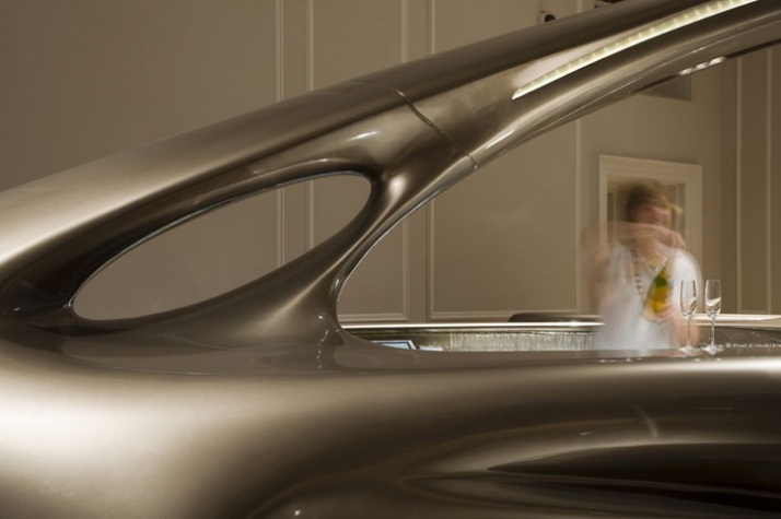 Zaha_hadid_Home_House_photography_Luke_Hayes_yatzer_5