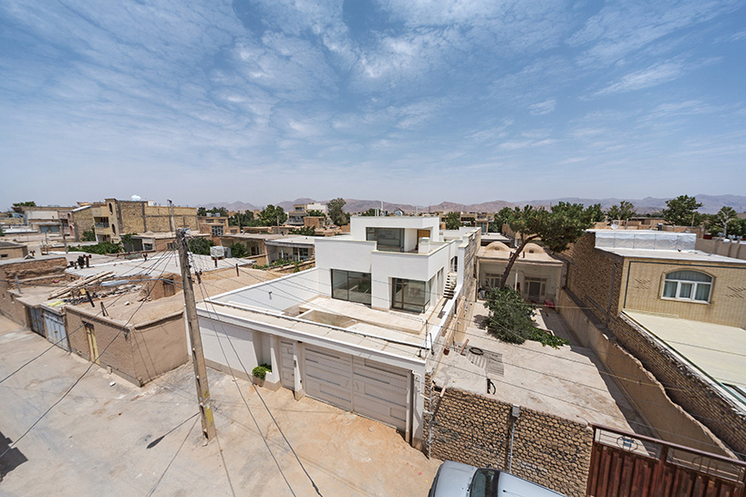 ayeneh-office-house-of-niches-najafabad-iran-designboom-07