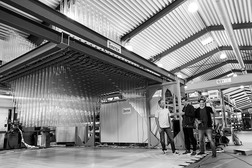 ctrl-n-scandinavian-design-group-abida-intek-breaking-the-surface-lundin-interactive-installation-designboom-04