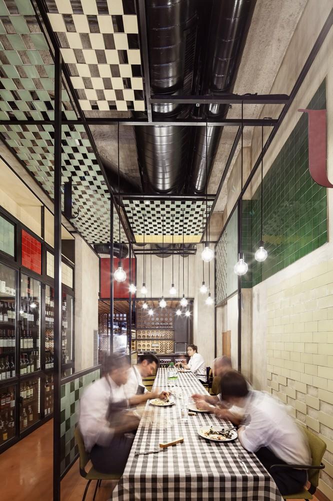 551cb8a9e58ecef24700009e_disfrutar-restaurant-el-equipo-creativo_mihanbana (13)