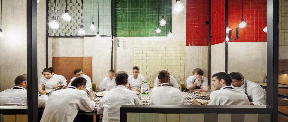 551cb8a9e58ecef24700009e_disfrutar-restaurant-el-equipo-creativo_mihanbana (15)
