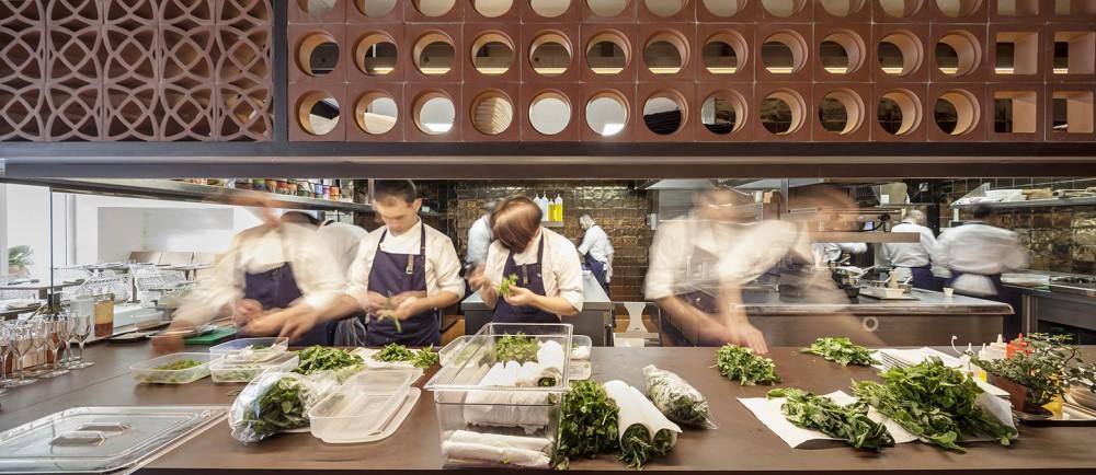 551cb8a9e58ecef24700009e_disfrutar-restaurant-el-equipo-creativo_mihanbana (3)