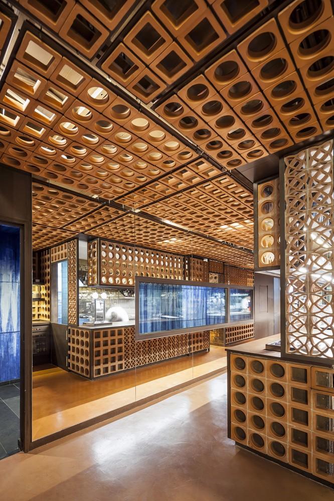 551cb8a9e58ecef24700009e_disfrutar-restaurant-el-equipo-creativo_mihanbana (4)