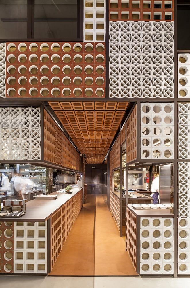 551cb8a9e58ecef24700009e_disfrutar-restaurant-el-equipo-creativo_mihanbana (6)
