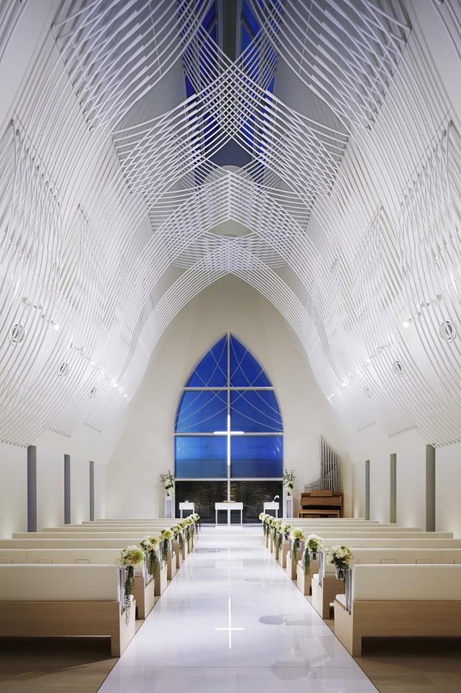 5532abfde58ecee00800025d_st-voile-chapel-kasahara-design-work_mihanbana (10)
