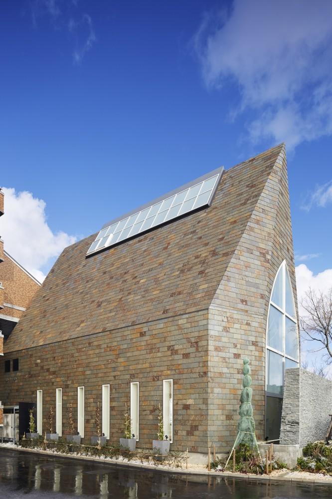 5532abfde58ecee00800025d_st-voile-chapel-kasahara-design-work_mihanbana (2)