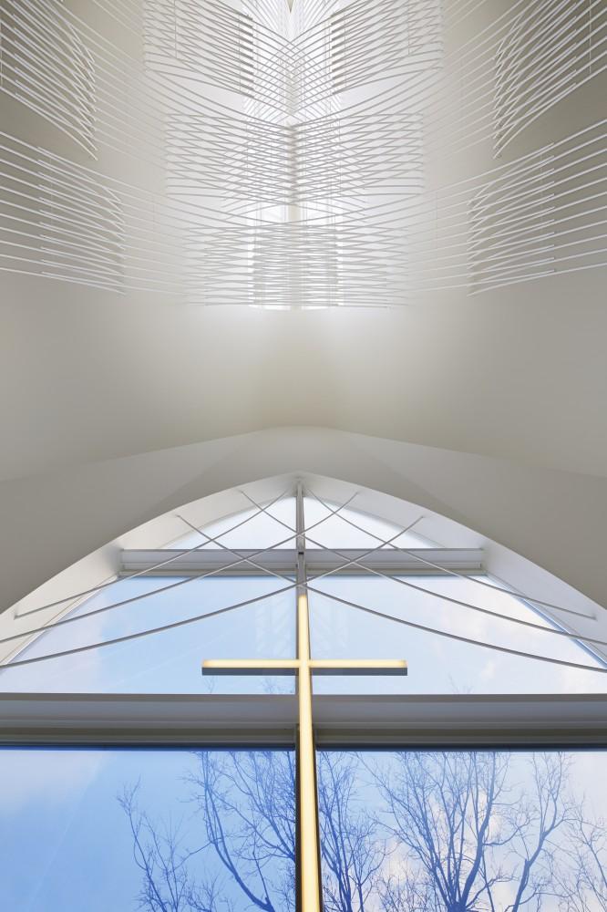 5532abfde58ecee00800025d_st-voile-chapel-kasahara-design-work_mihanbana (7)