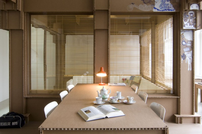 Cardboard-Office-Interior-03-800x533