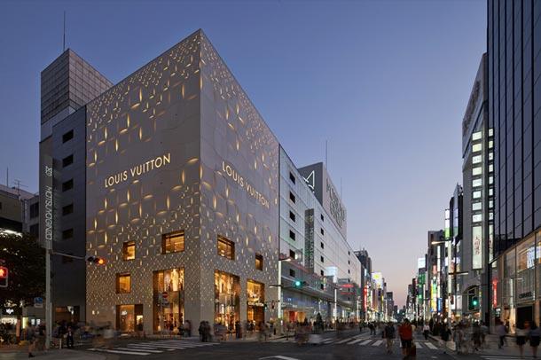 ساختمان سوپر لوکس برند L&V (لوئیس ویتون) در توکیو