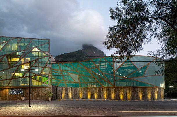 mopi-school-mareines-and-patalano-arquitetura-rio-de-janiero-designboom-01-818x545 (1)