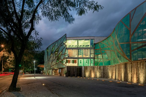 mopi-school-mareines-and-patalano-arquitetura-rio-de-janiero-designboom-03