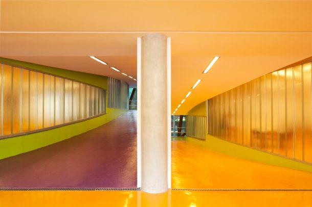 mopi-school-mareines-and-patalano-arquitetura-rio-de-janiero-designboom-06