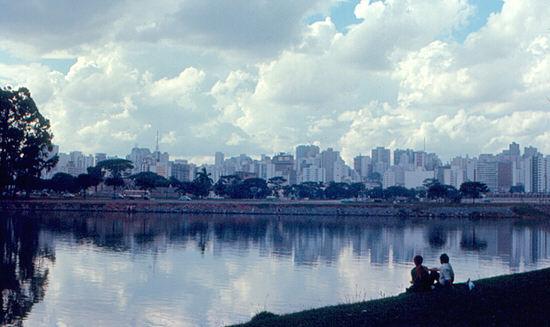 20-Sao_Paulo_Roger_W