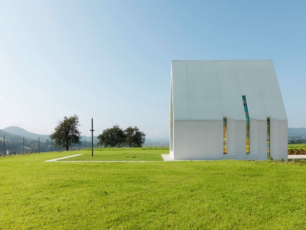 Chapel-Maria-Magdalena-by-Sacher-Locicero-architects-2-600x450