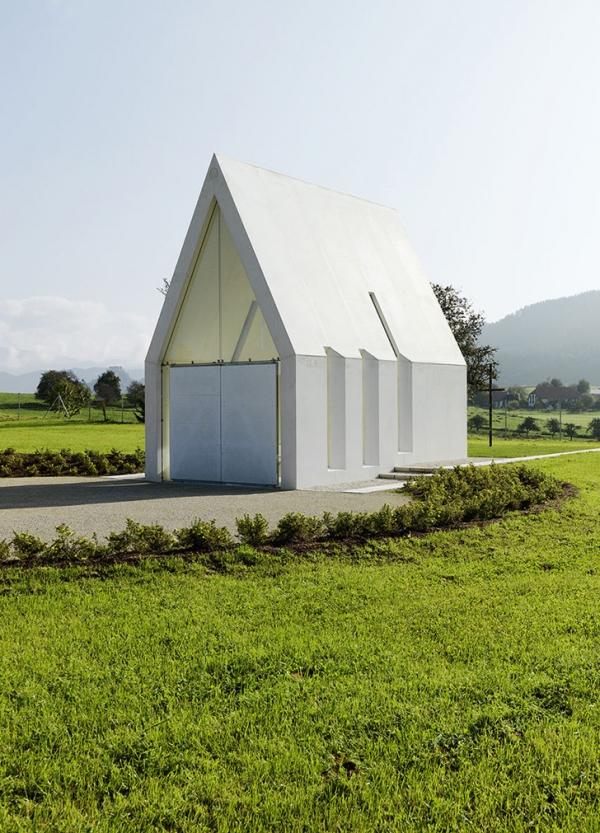 Chapel-Maria-Magdalena-by-Sacher-Locicero-architects-3-600x833