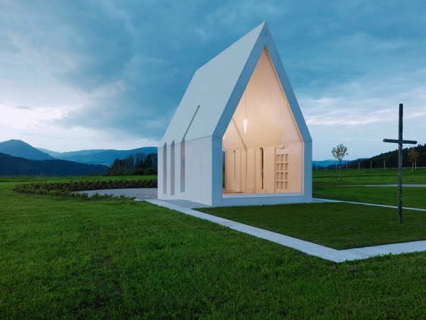 Chapel-Maria-Magdalena-by-Sacher-Locicero-architects-4-600x450