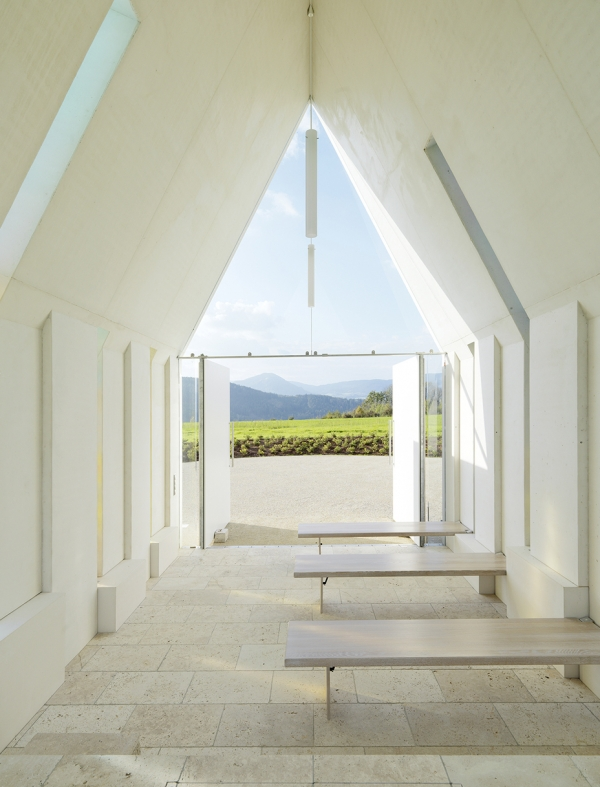 Chapel-Maria-Magdalena-by-Sacher-Locicero-architects-9-600x787