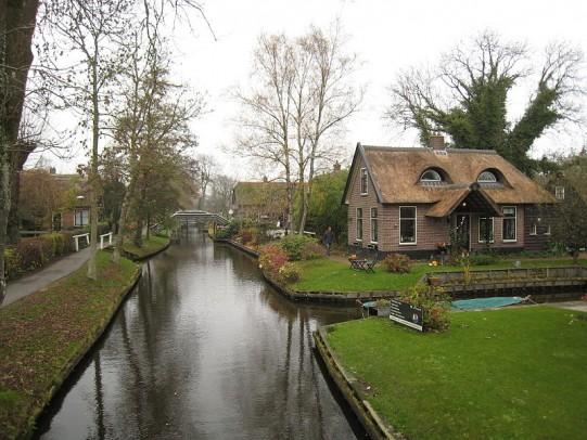 Giethoorn_Netherlands_flckr04
