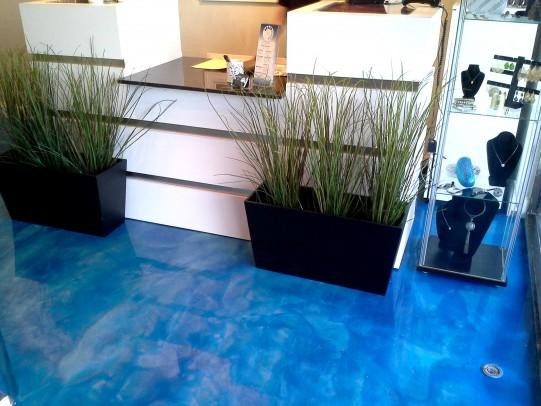 blue-reflector-epoxy-floor-in-jewlery-shop-in-summit-nj