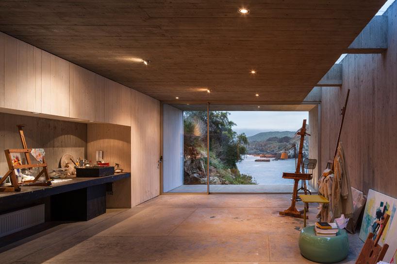 felipe-assadi-painters-studio-chile-designboom-03