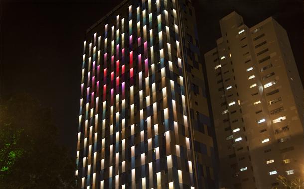 طراحی شگفت انگیز نمای هتل WZ با پوسته ای هوشمند