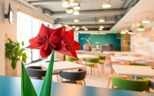 طراحی خیال انگیز دفتر کار براساس کتابهای شازده کوچولو و آلیس در سرزمین عجایب!