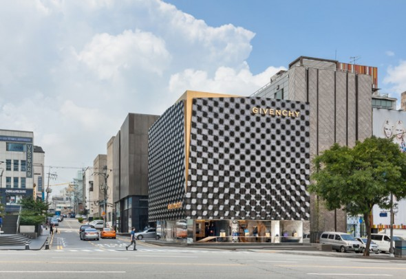 2-piuarch-designs-the-new-givenchy-flagship-store-in-seoul