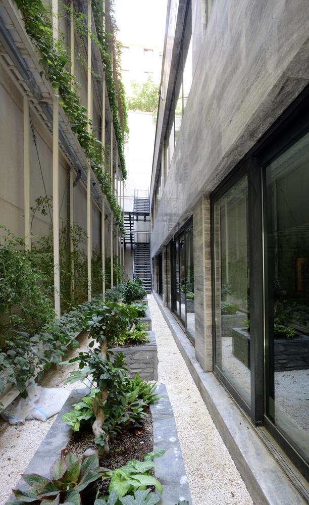 basement_courtyard