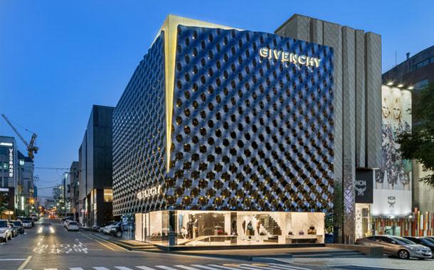 طراحی خیره کننده فروشگاه Givenchy