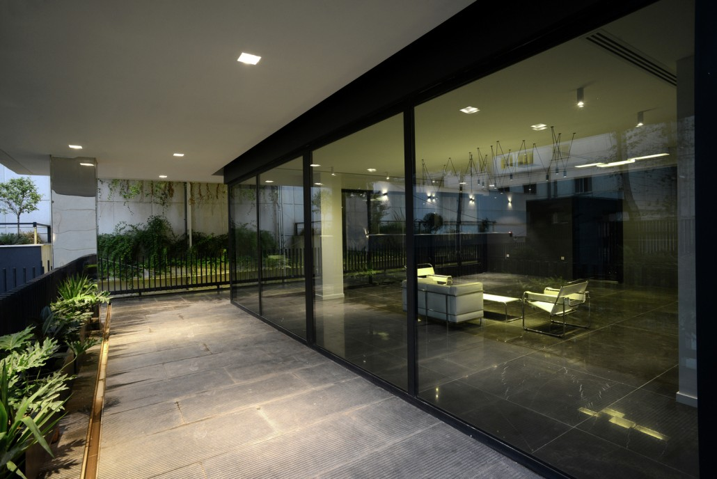 lobby_exterior_view1