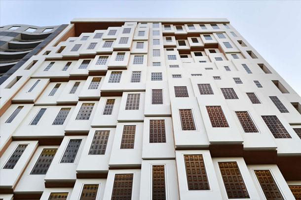 ساختمان اداری ولیعهد ، طرحی از هومن بالازاده