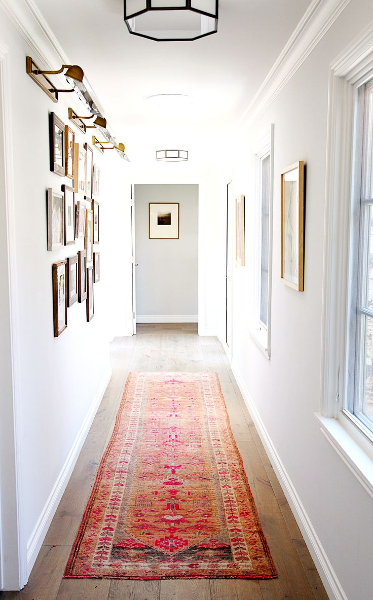 Cozy-and-calm-narrow-hallway-in-white