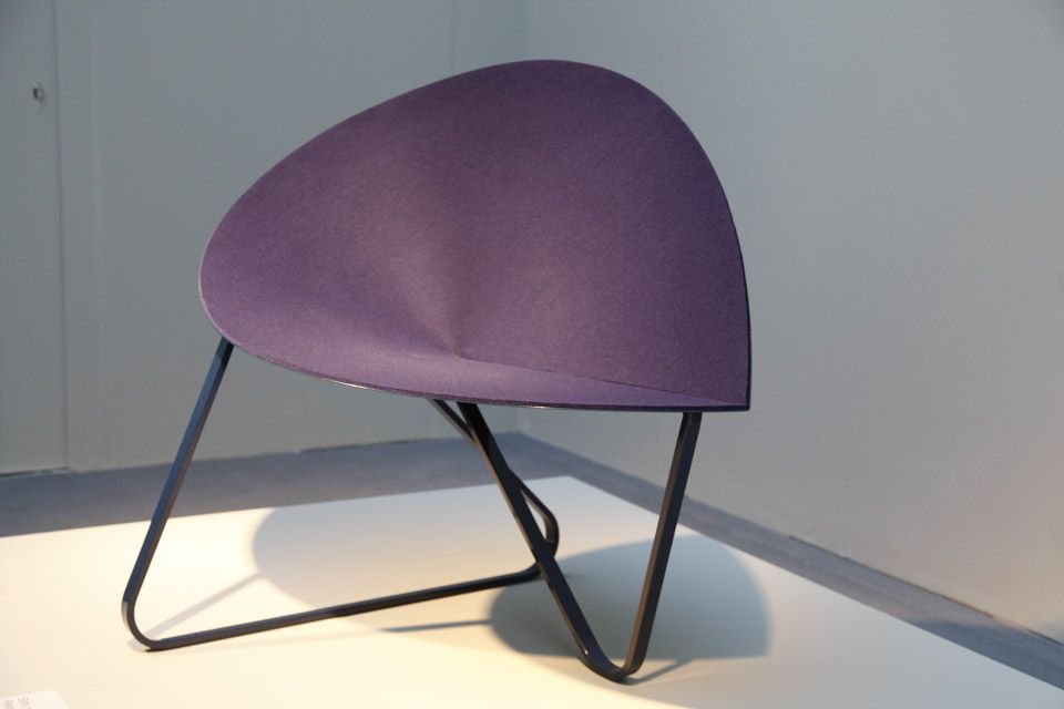 IMM-Cologne-purple-curved-chair