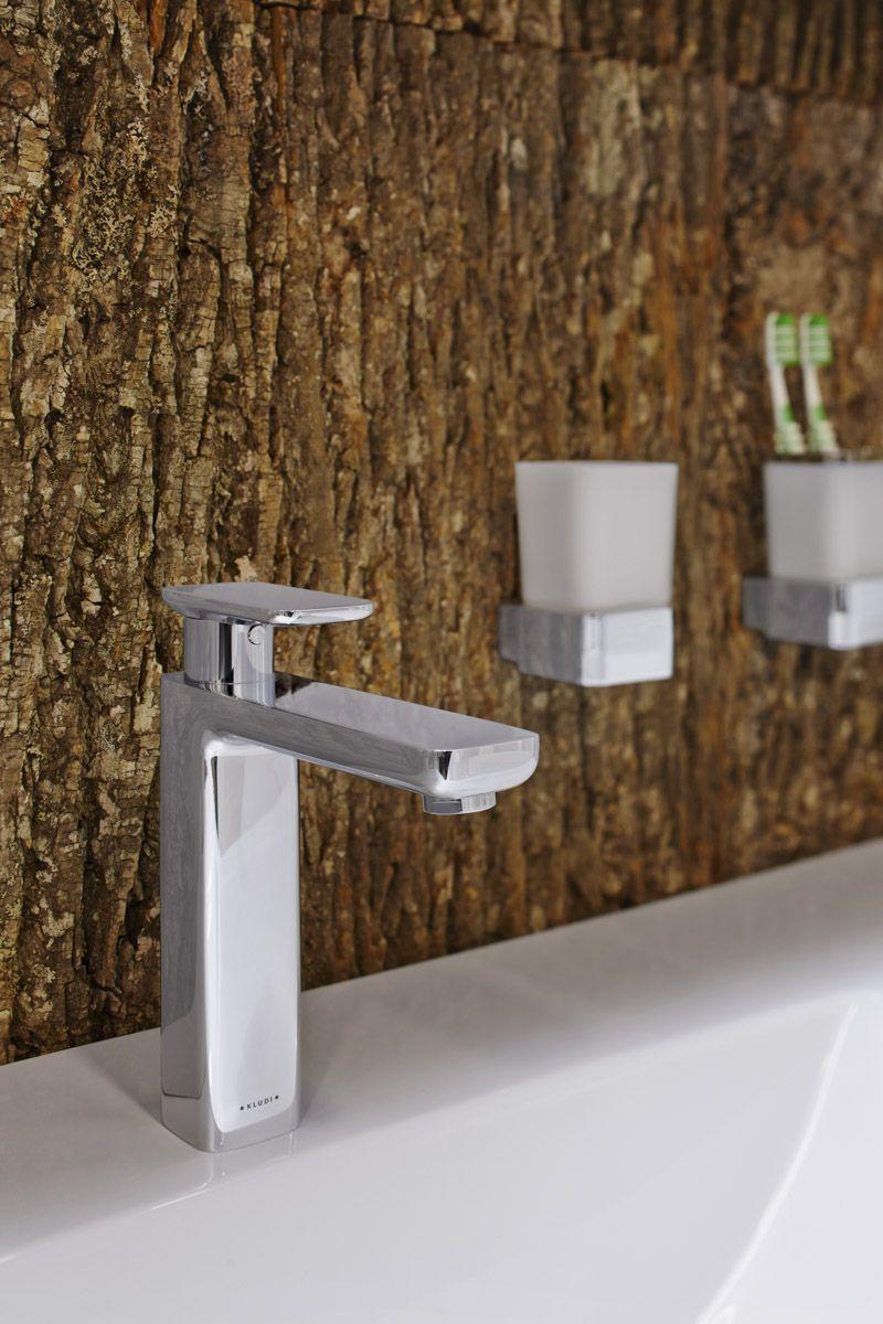 Natural-Materials-Bark-wallpaper-for-bathroom
