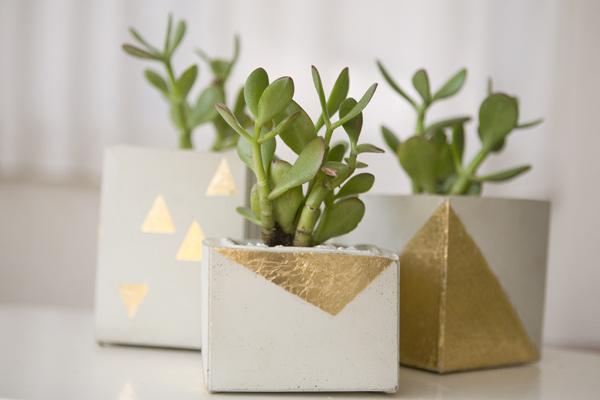 gold-leaf-diy-cement-planters