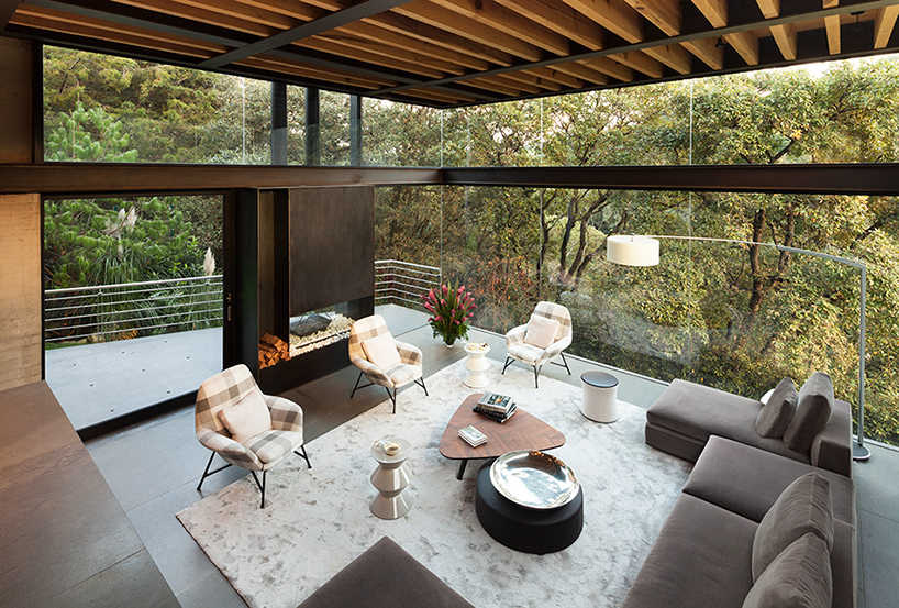 grupo-arquitectura-la-casa-en-el-bosque-mexico-city-house-in-the-forest-designboom-09