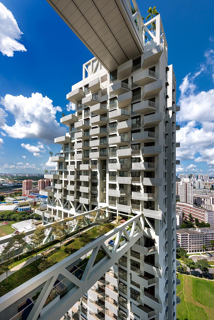 moshe-safdie-sky-habitat-singapore-bishan-residential-development-designboom-06