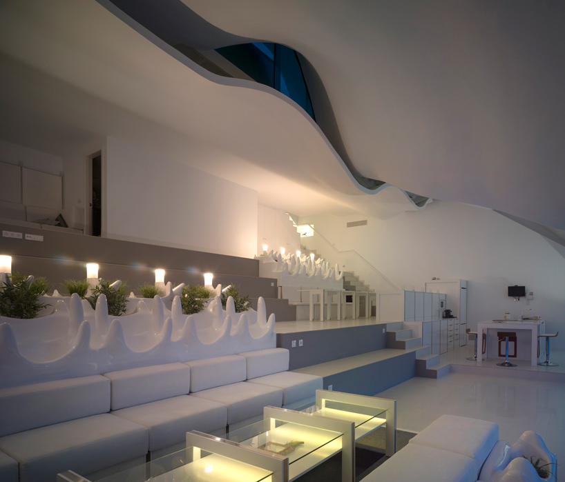 gilbartolome-architects-house-on-the-cliff-granada-designboom-05