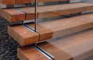 ساخت پله چوبی با استفاده از الوارهای بازیافتی