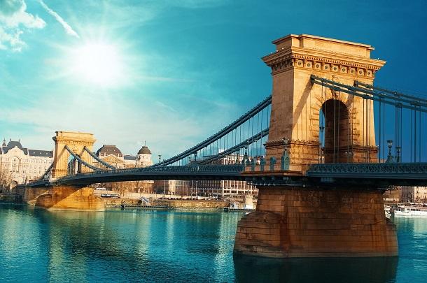 17 نمونه از زیباترین پلهای دنیا